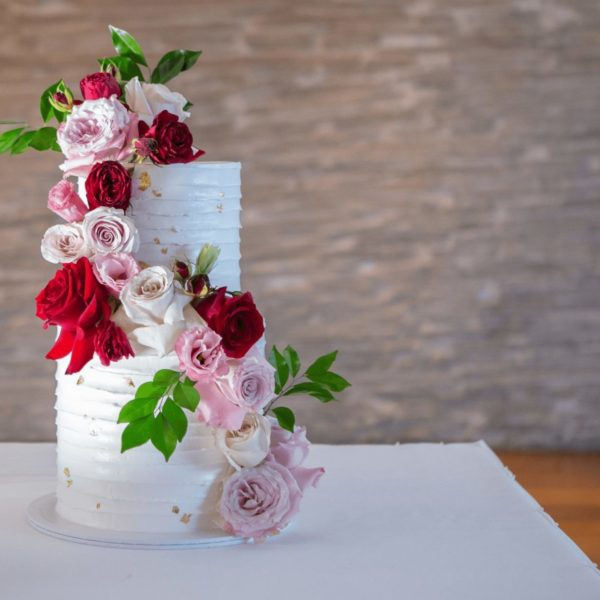 white-cake-with-flowers-3829793
